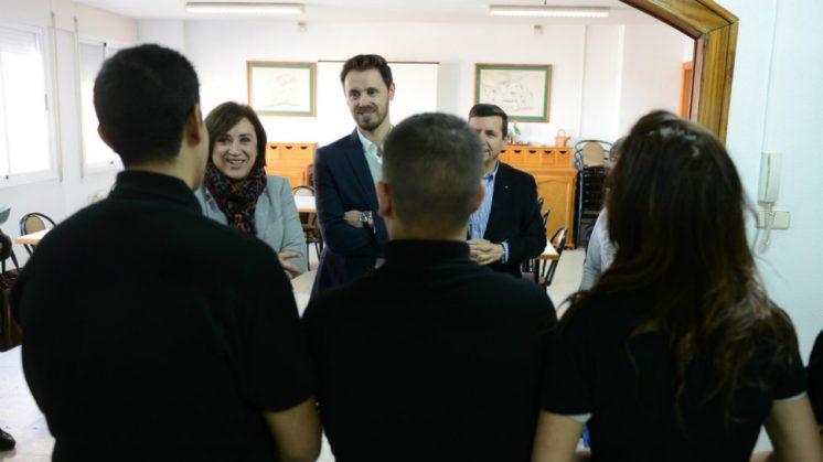 La delegada del Gobierno en Granada, Sandra García, ha clausurado este miércoles junto al delegado territorial de Economía y Empleo, Juan José Martín Arcos, han clausurado este miércoles los cursos. Foto: aG