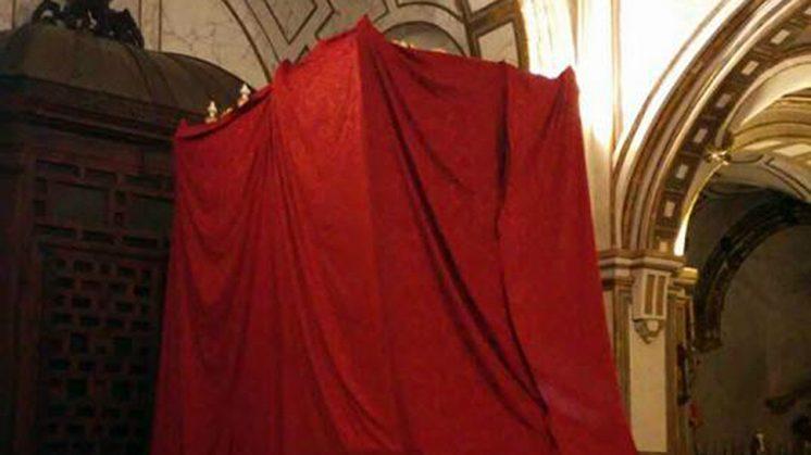 El palio dedicado a Nuestra Señora de los Remedios ya está en la iglesia de los Santos Justos y Pastor. Foto: Hermandad
