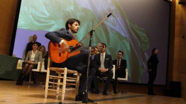 El guitarrista Juan Habichuela y el Carnaval de Alhama de Granada, entre los galardonados por el 28-F