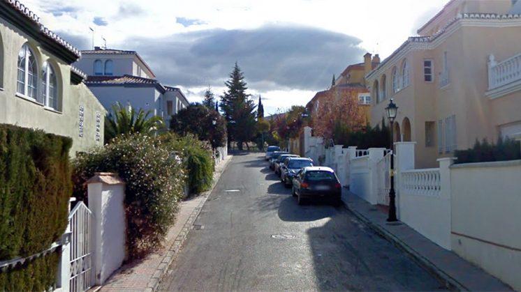 Los hechos se produjeron en la calle Trevenque de La Zubia en mayo de 2014. Foto: Google