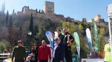 Más de 1.500 atletas corren por la Granada histórica y monumental