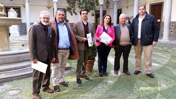 La moción se ha presentado de forma consensuada con la Federación de Municipal de Comercio. Foto: aG