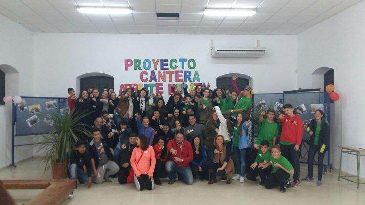 Un centenar de jóvenes de siete municipios participan en un encuentro en Las Gabias