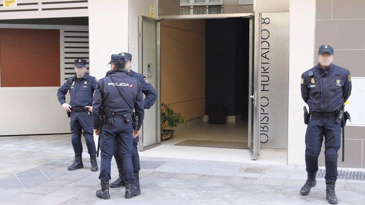 El alcalde de Granada ha estado detenido en su casa. Foto: Álex Cámara