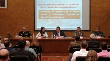 """tonio Sanz: """"La prevención, la planificación yla coordinación son los pilares básicos en lagestión de una catástrofe"""""""