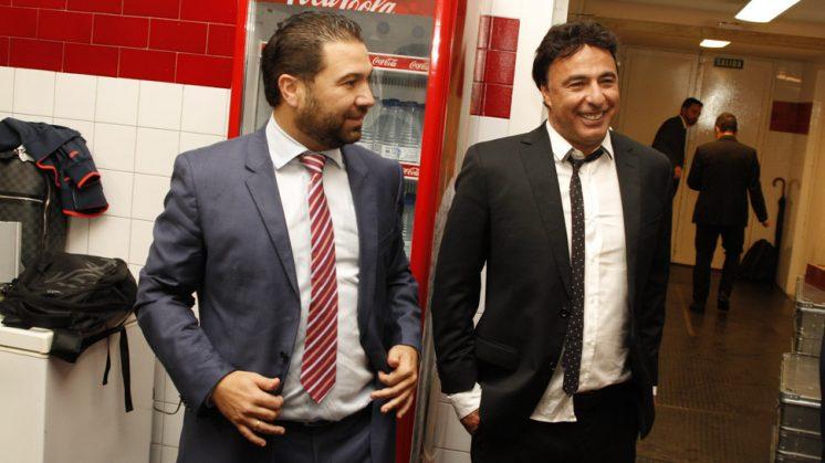 Juan Carlos Cordero y Quque Pina, en el vestuario del equipo a la finalización del partido. Foto: Álex Cámara