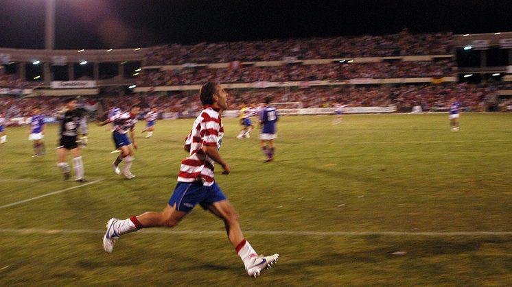 Ramón celebra el tanto que supuso el 2-0 en el marcador ante el Guadalajara. Foto: Luis F. Ruiz (archivo)