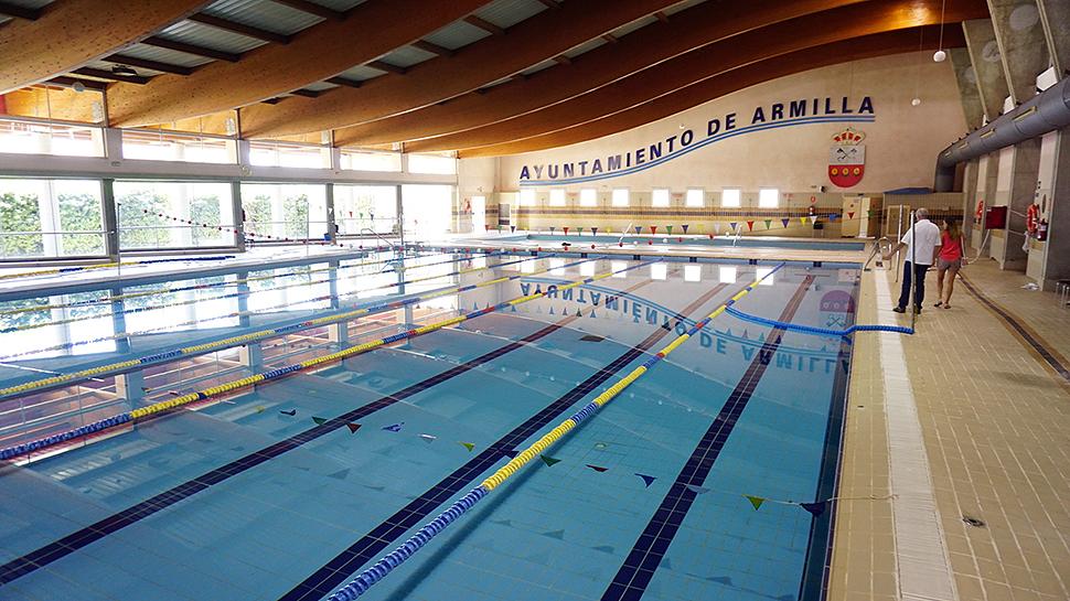 Ahora granada piscina en horario ininterrumpido en for Horario piscina alaquas