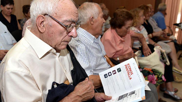 El programa está desarrollado por La Diputación de Granada y la Fundación Vodafone España. Foto: Dipgra