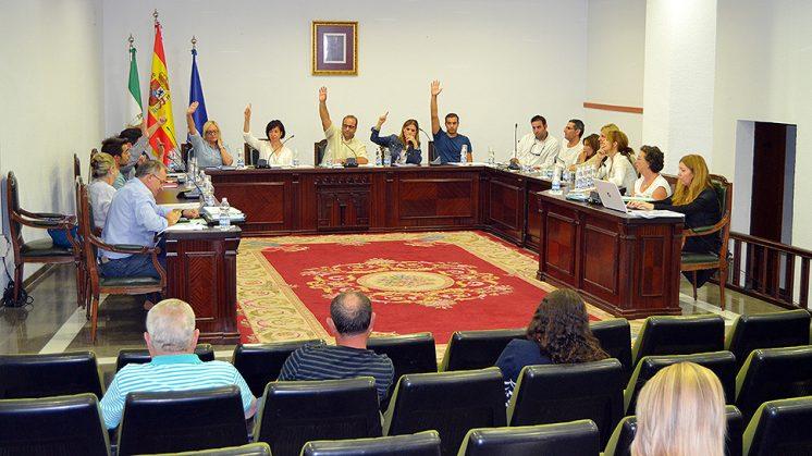 Momento de la votación en el Ayuntamiento de La Zubia. Foto: Ayuntamiento