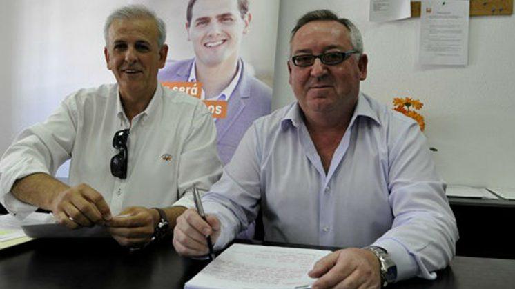 Los concejales de Ciudadanos Albolote, Manuel Montalvo y Manuel Aguilera. Foto: aG