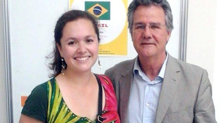 La investigadora de la Universidad de Granada Laura Herrera Castillo, junto a su director de tesis, Juan Antonio Nicolás, del departamento de Filosofía II. Foto: UGR