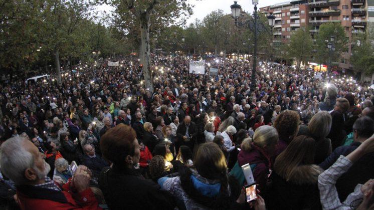 Imagen de la multitudinaria manifestación celebrada este sábado en Granada. Foto: Álex Cámara