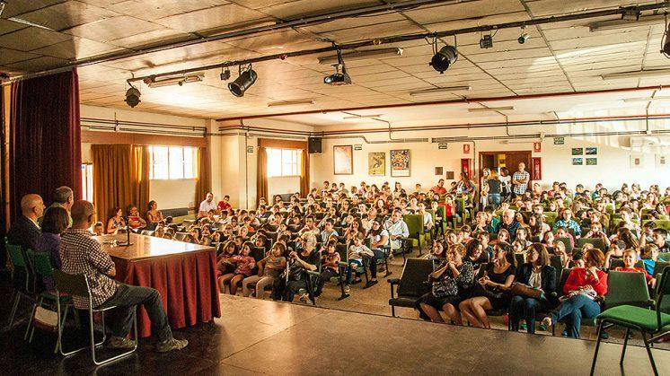 El Gobierno local hace extensible el reconocimiento a la comunidad educativa. Foto: Fran Pérez