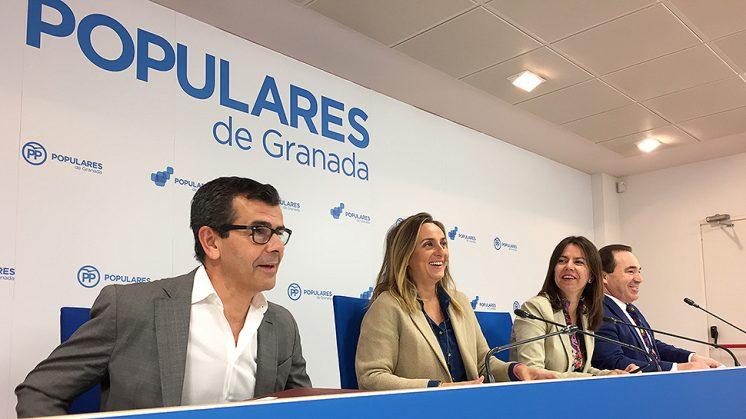 Los cuatro parlamentarios andaluces del PP granadino, en la rueda de prensa de este miércoles. Foto: L. F. R.