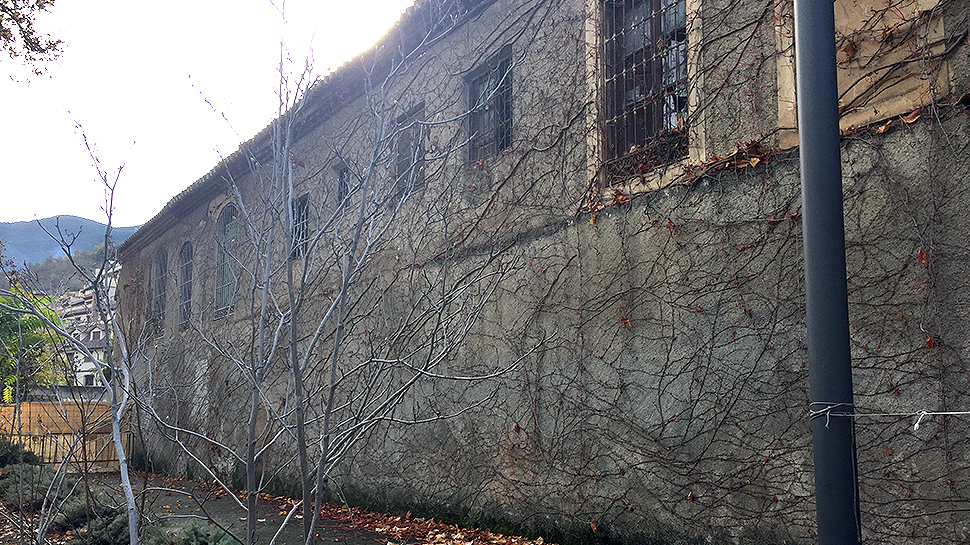 Edificio que el PP ha recordado iba a ser rehabilitado en 2009. Foto: L. F. R.