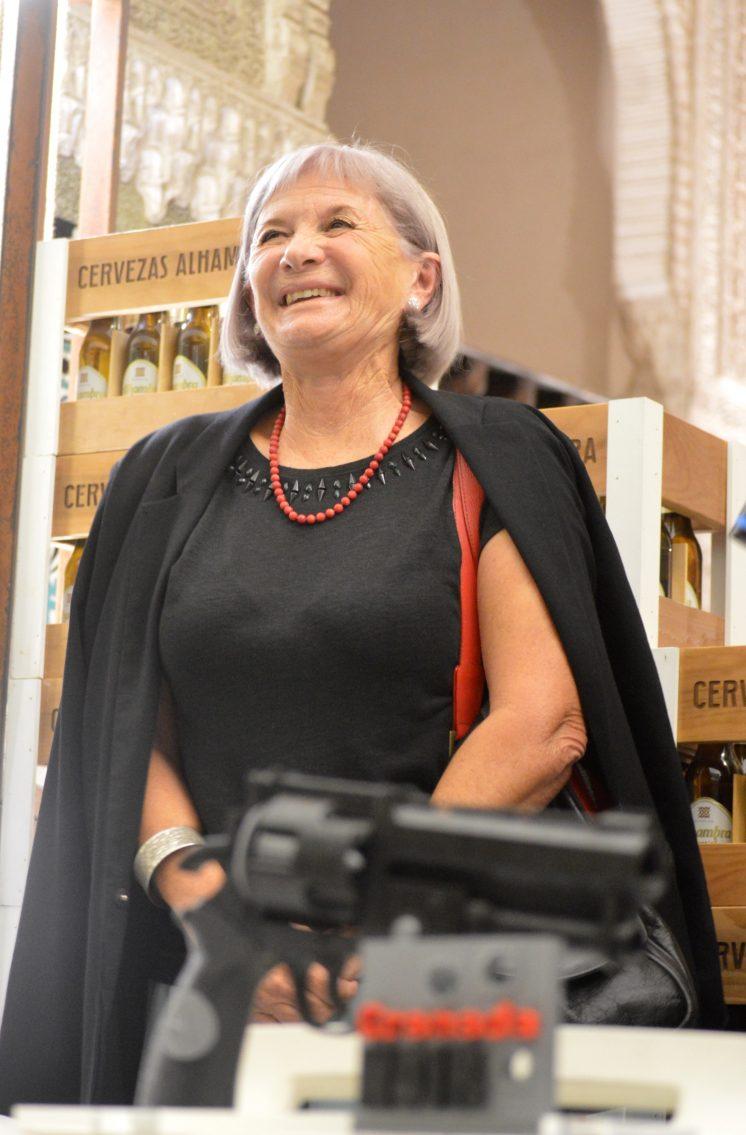 Belen Gimenez Desnuda ahora granada - la escritora alicia gim�nez barlett recibe